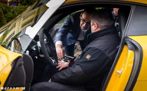 Dyrektor Handlowy Mercedes Witman Paweł Stefaniak prezentuje AMG GT swoim klientom