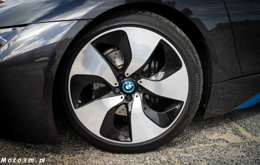 BMW i8-05200