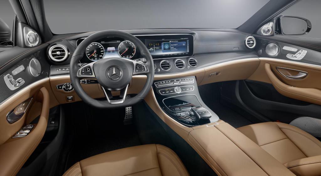 Wnętrze nowej Klasy E. Jedyny oficjalnie ujawniony element samochodu. (Fot. materiały prasowe)