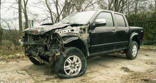 Wypadek, kolizja, rozbity samochód-09399