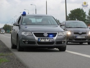 radiowóz policja Passat nieoznakowany