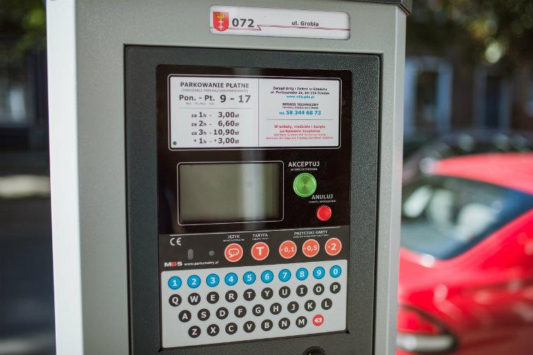 Nowe parkomaty są estetyczne i - jak zapewnia Zarząd Dróg i Zieleni - bardzo odporne na działanie wandali, a także złych warunków pogodowych. Fot. Dominik Paszliński/www.gdansk.pl