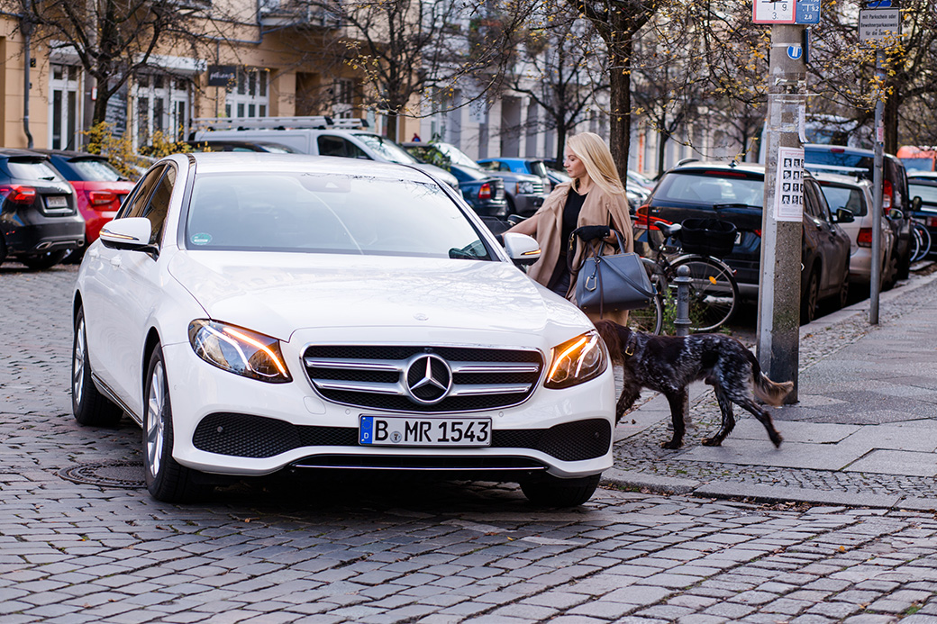 Mercedes benz witman stawia na kobiety for Mercedes benz na