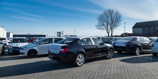 Samochody, stock, dealerzy, parking-1400310