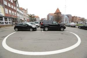 Pasy parkingowe na Targu Rybnym... fot. Grzegorz Mehring/www.gdansk.pl
