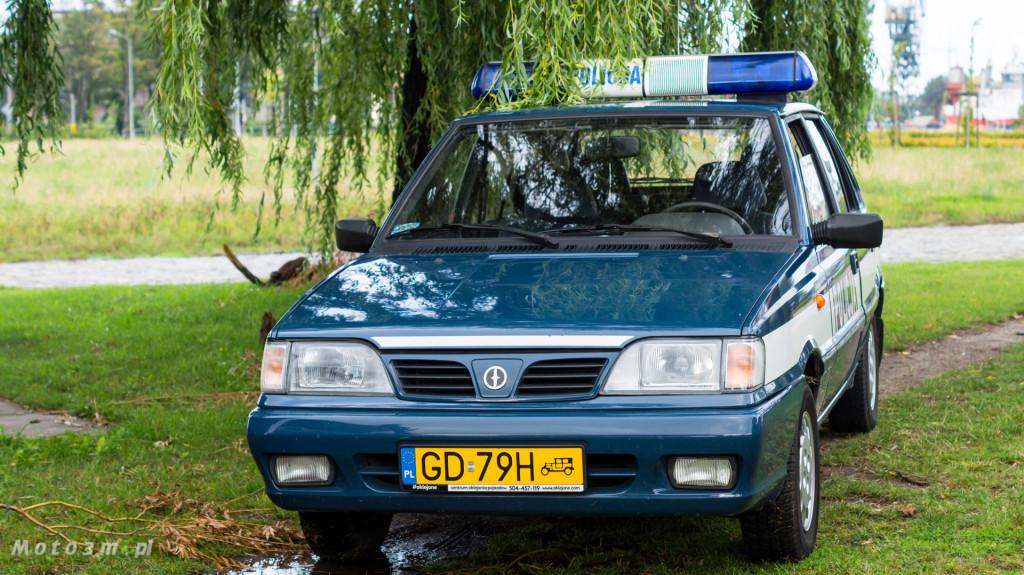Wystawa polskich samochodów - FSO Pomorze w sali BHP w Gdańsku-09136