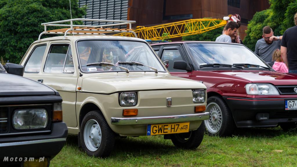 Wystawa polskich samochodów - FSO Pomorze w sali BHP w Gdańsku-09145