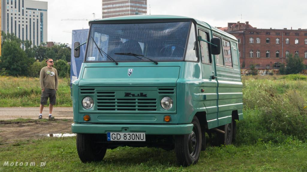 Wystawa polskich samochodów - FSO Pomorze w sali BHP w Gdańsku-09151