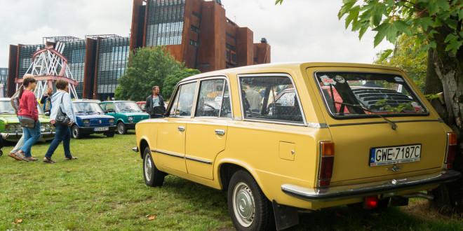 Wystawa polskich samochodów - FSO Pomorze w sali BHP w Gdańsku-09157