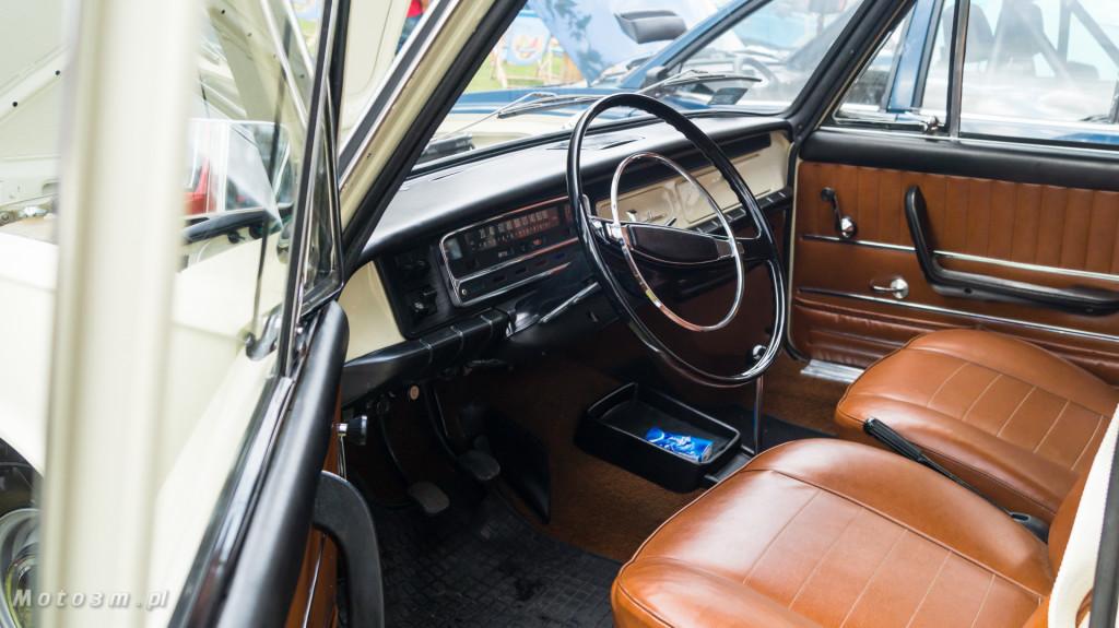 Wystawa polskich samochodów - FSO Pomorze w sali BHP w Gdańsku-09160