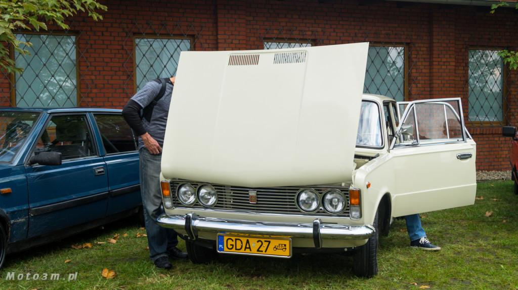 Wystawa polskich samochodów - FSO Pomorze w sali BHP w Gdańsku-09164