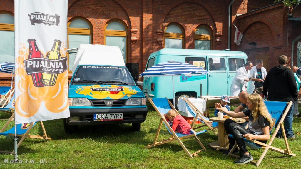 Wystawa polskich samochodów - FSO Pomorze w sali BHP w Gdańsku-09169