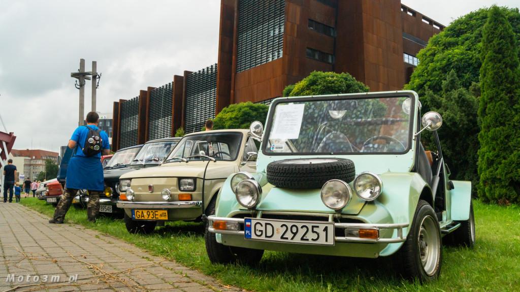 Wystawa polskich samochodów - FSO Pomorze w sali BHP w Gdańsku-09181