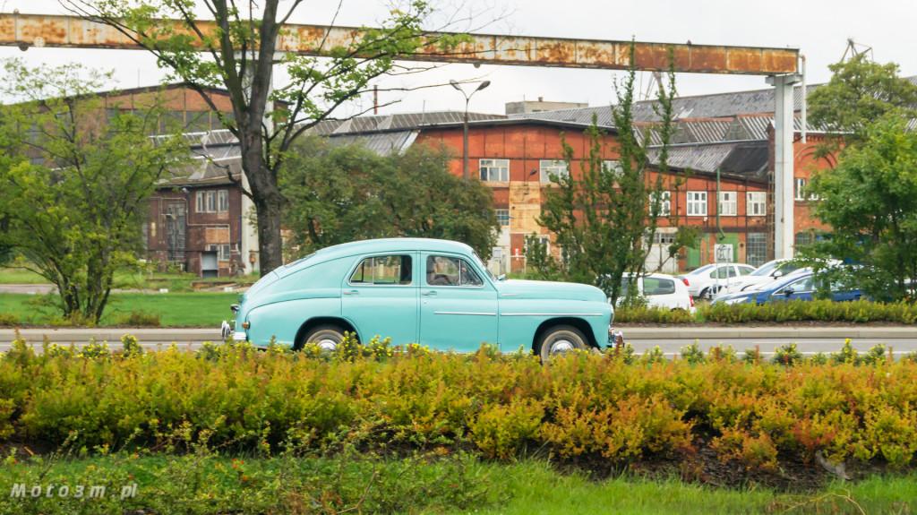 Wystawa polskich samochodów - FSO Pomorze w sali BHP w Gdańsku-09194