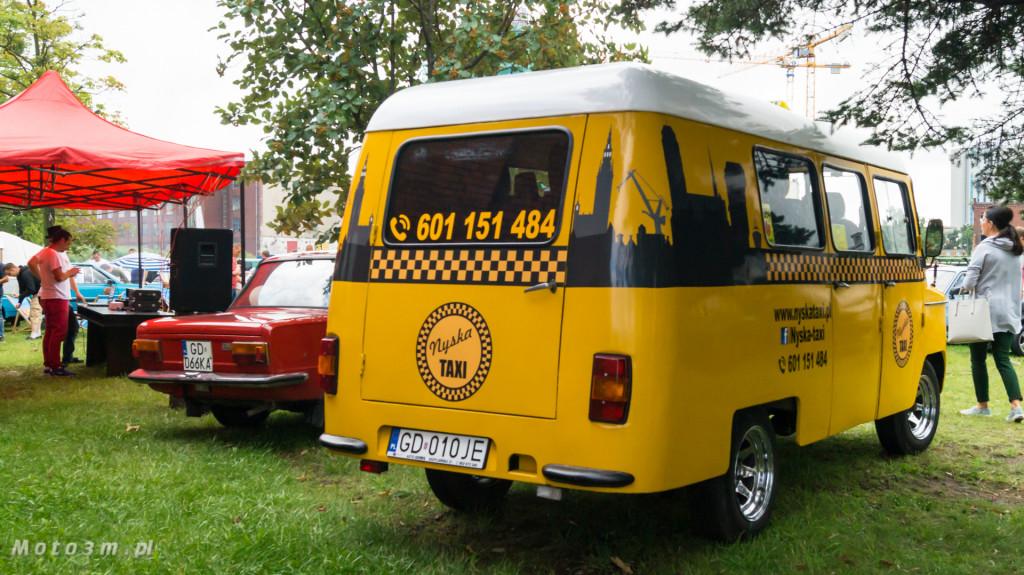 Wystawa polskich samochodów - FSO Pomorze w sali BHP w Gdańsku-09197