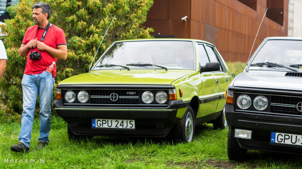 Wystawa polskich samochodów - FSO Pomorze w sali BHP w Gdańsku-09229