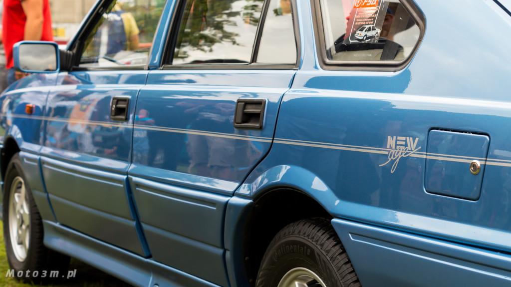 Wystawa polskich samochodów - FSO Pomorze w sali BHP w Gdańsku-09239