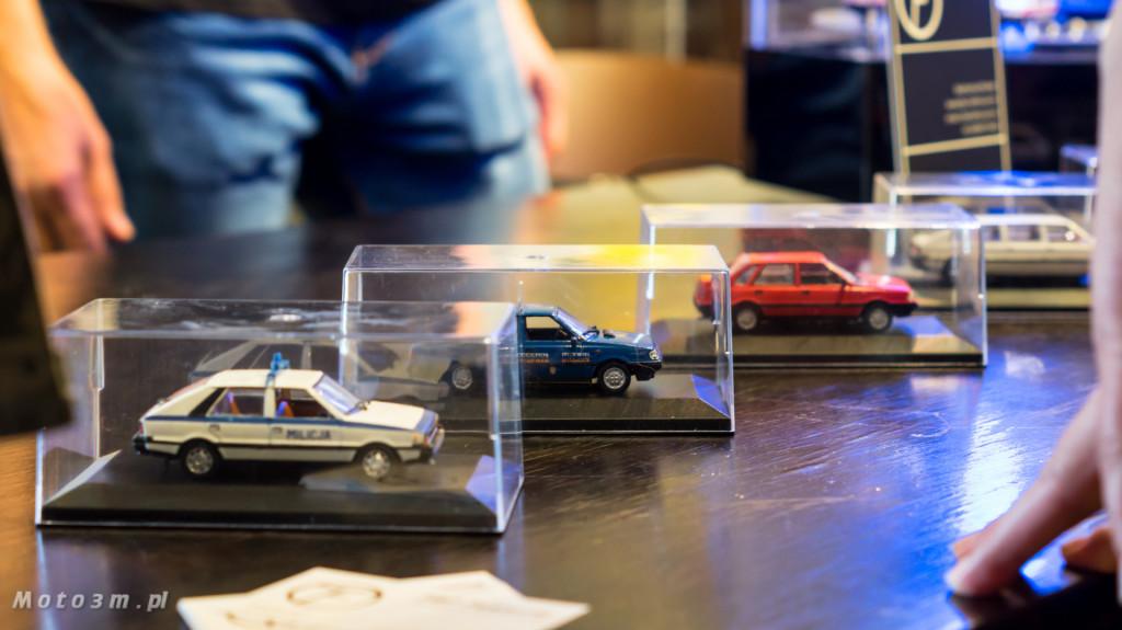 Wystawa polskich samochodów - FSO Pomorze w sali BHP w Gdańsku-09252