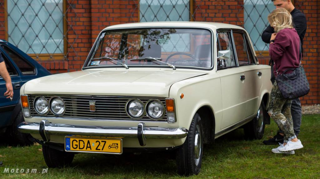 Wystawa polskich samochodów - FSO Pomorze w sali BHP w Gdańsku-09260