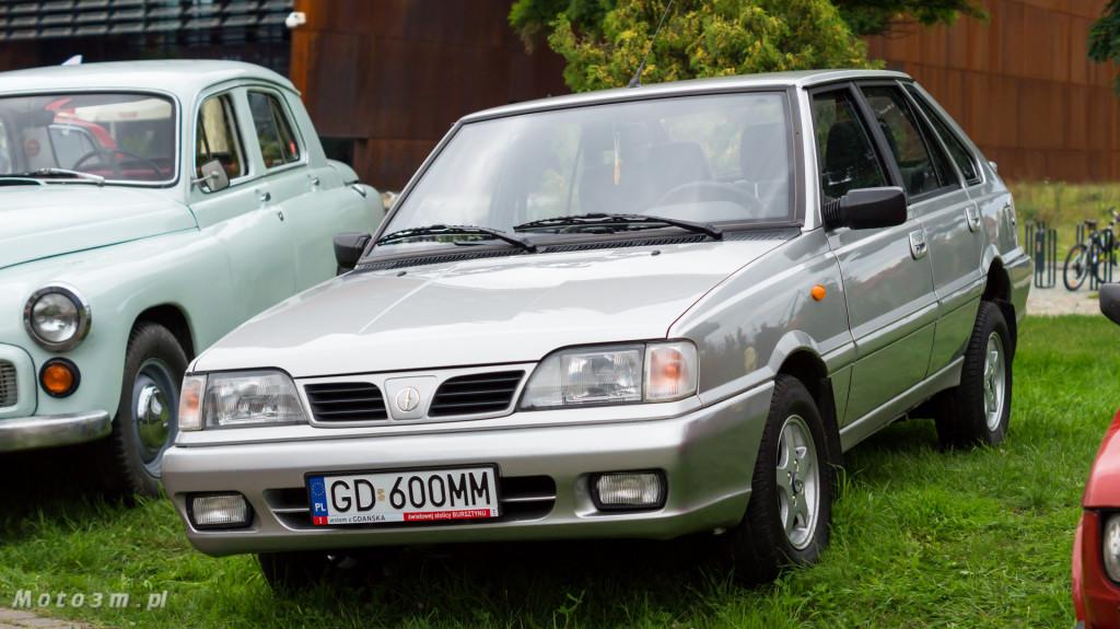 Wystawa polskich samochodów - FSO Pomorze w sali BHP w Gdańsku-09268