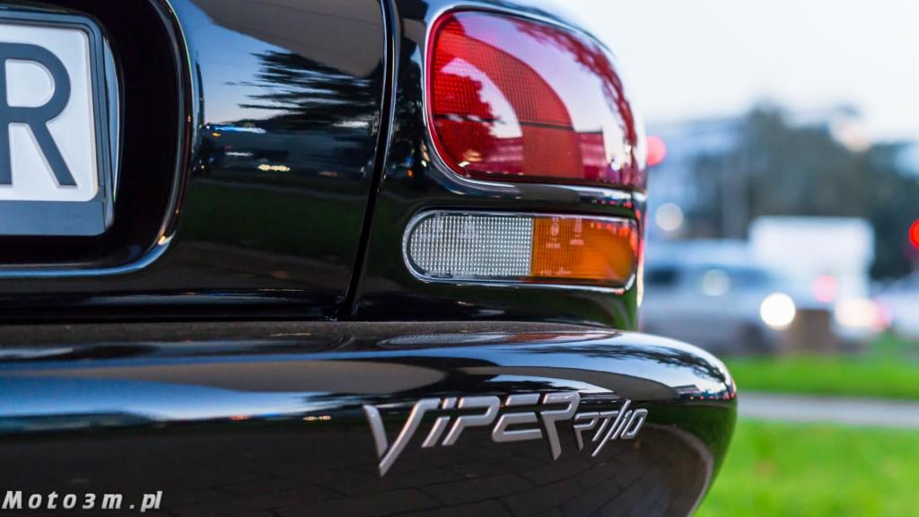 Supersamochody z trzech kontynentów - 911 vs. Viper RT10 vs. Skyline R33-00177