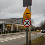 Uśmiechające się znaki drogowe w Gdańsku-142814