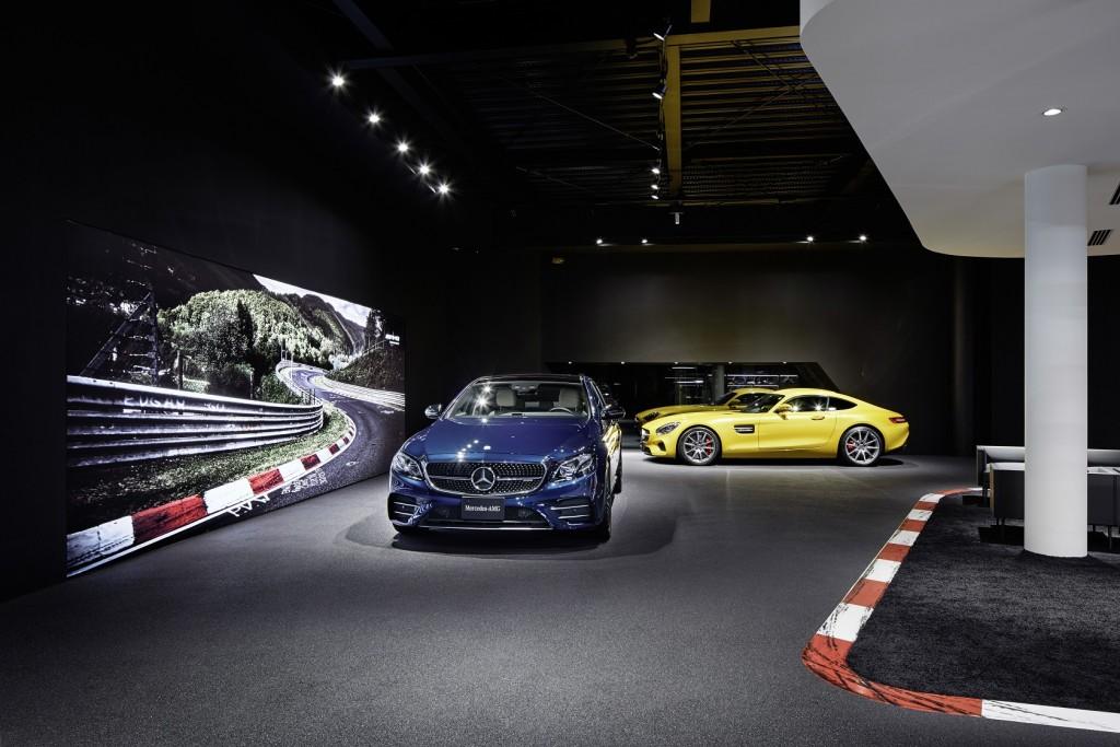Mercedes-AMG Showroom w Tokio Setagaya. Fot.Mercedes-AMG