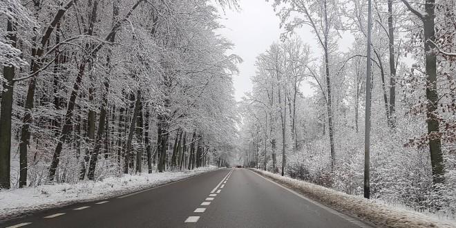 Droga, ulica, śnieg zaśnieżona jezdnia, zima-123440