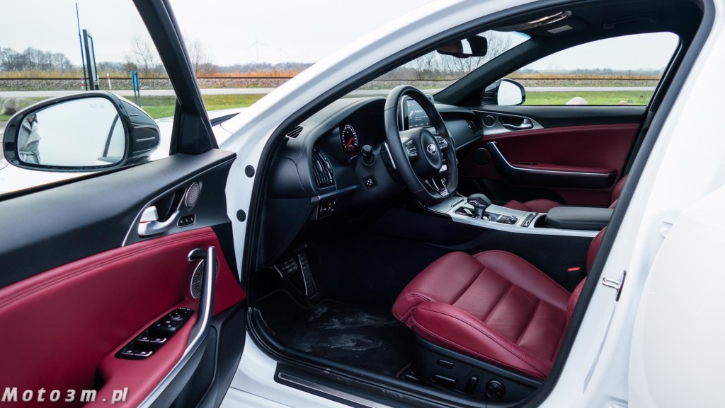 KIA Stinger GT 3.3 V6 370 KM - test Moto3m-1680031