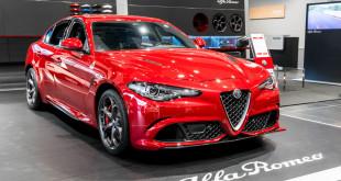 Alfa Romeo Giulia Quadrifoglio w Auto Plus-00167