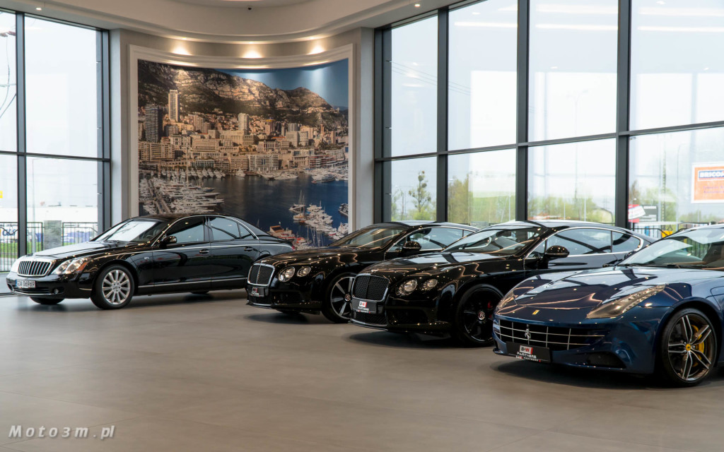 Nowy salon samochodów luksusowych B&W Partners w Straszynie-0747