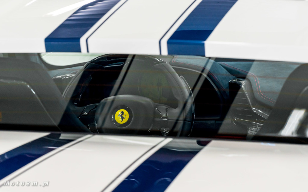 Ferrari 458 SAperta i Aston Martin DBS w Car SPA Gdynia-5933