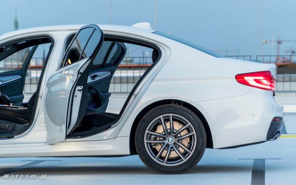 BMW 518d G30 test Moto3m-09596