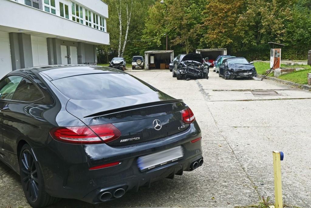 TJxcSAAMTiD3Ut6IyMFe2Q_Mercedes-pir-ta