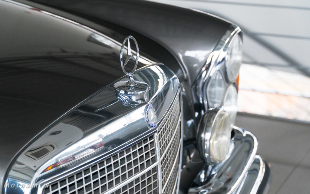 Mercedes-Benz 280 SE W111 w salonie ECI w Gdańsku -03030