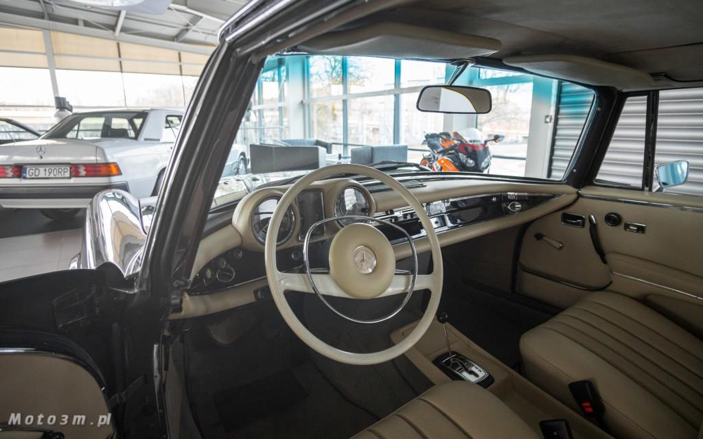 Mercedes-Benz 280 SE W111 w salonie ECI w Gdańsku -03045