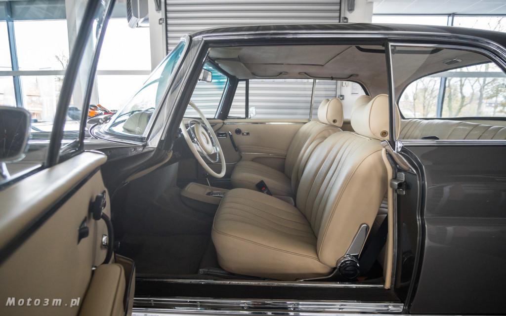 Mercedes-Benz 280 SE W111 w salonie ECI w Gdańsku -03046