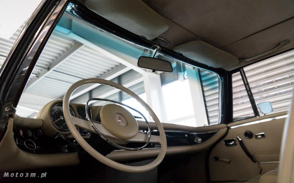 Mercedes-Benz 280 SE W111 w salonie ECI w Gdańsku -03075