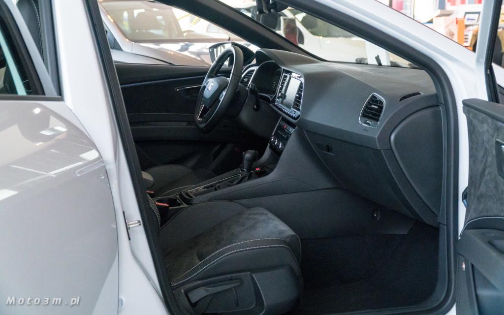 SEAT Leon ST CUPRA 370 Carbon w SEAT Plichta-04811