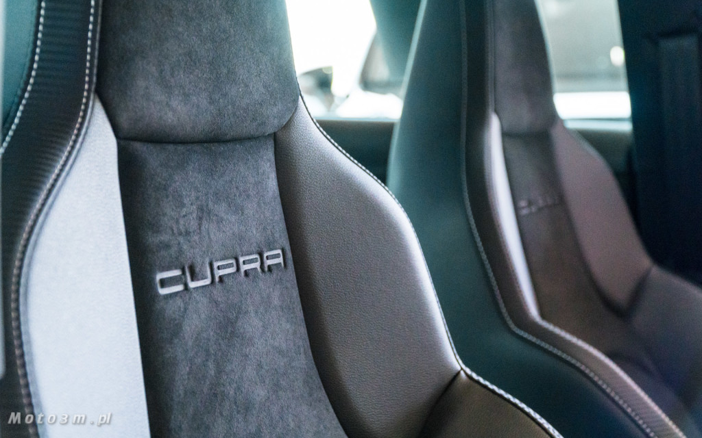 SEAT Leon ST CUPRA 370 Carbon w SEAT Plichta-04813