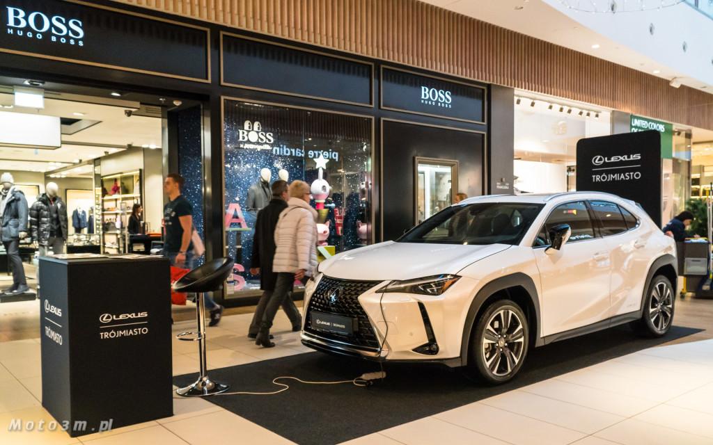 Nowy crossover Lexus UX - prezentacja w Centrum Handlowym Riwiera-05185