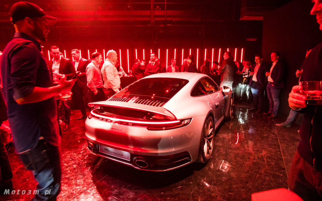 Premiera Nowego Porsche 911 992 w Teatrze Szekspirowskim w Gdańsku-06910
