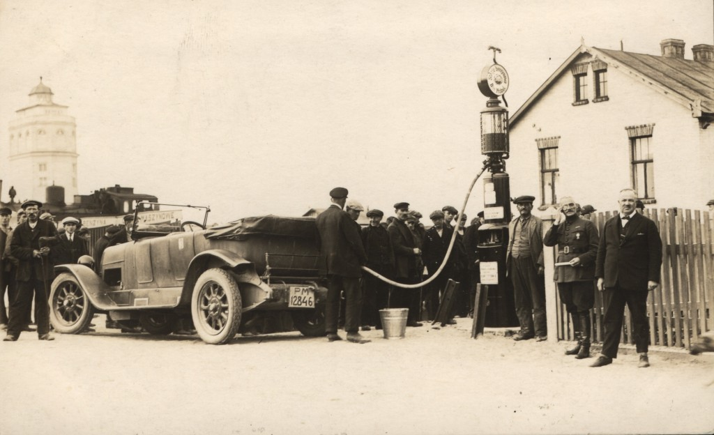 Najstarsze zdjęcie z  czerwca 1926 roku. Pierwsza Stacja Paliw w Gdyni. (mat.prasowe)