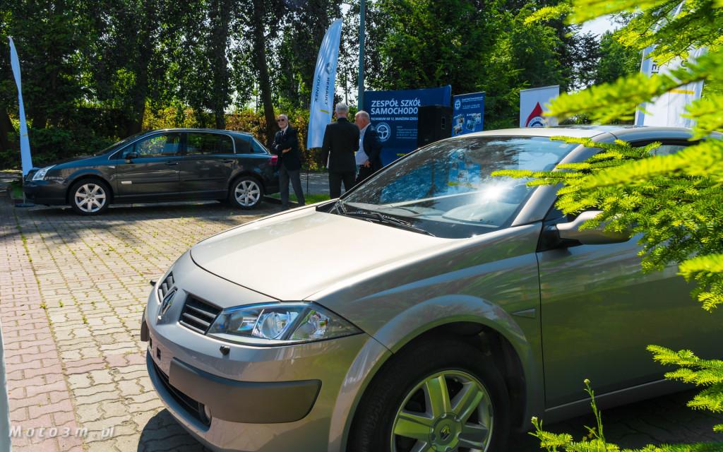 Renault i Grupa Zdunek przekazały Zespołowi Szkół Samochodowych silniki, skrzynię biegów oraz samochody do nauki-03192
