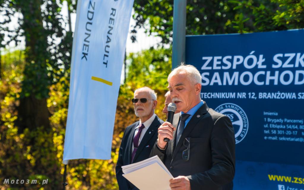 Renault i Grupa Zdunek przekazały Zespołowi Szkół Samochodowych silniki, skrzynię biegów oraz samochody do nauki-03199