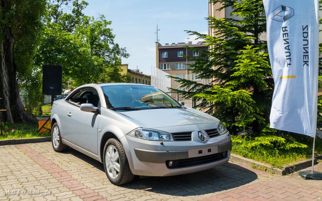 Renault i Grupa Zdunek przekazały Zespołowi Szkół Samochodowych silniki, skrzynię biegów oraz samochody do nauki-03236