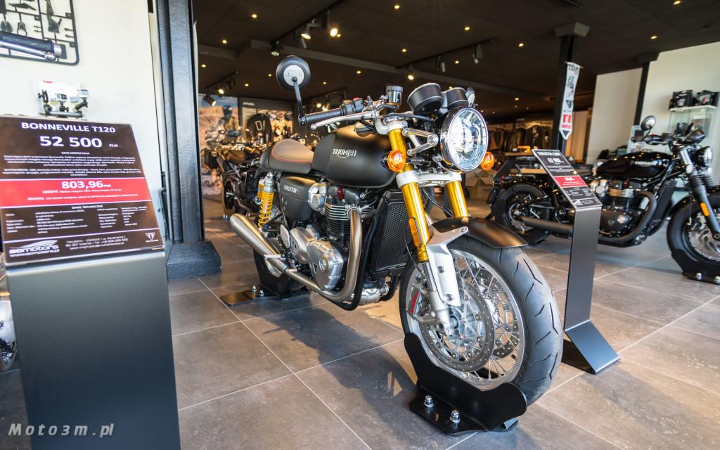 Jeden z 750 motocykli Triumph Thruxton TFC sprzedany w Gdańsku-03463