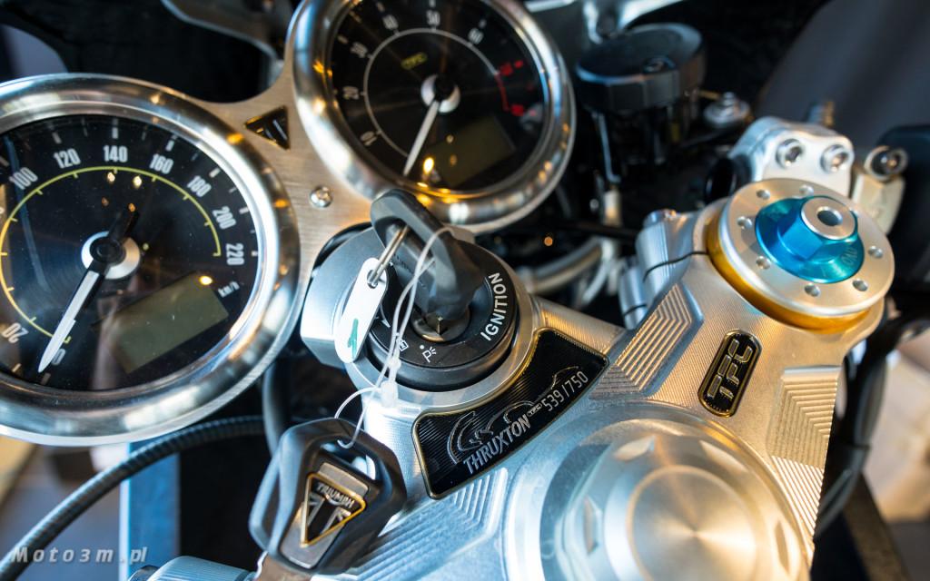 Jeden z 750 motocykli Triumph Thruxton TFC sprzedany w Gdańsku-03476