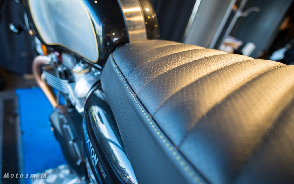 Jeden z 750 motocykli Triumph Thruxton TFC sprzedany w Gdańsku-03480