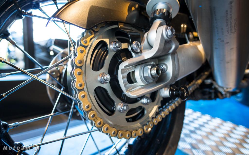 Jeden z 750 motocykli Triumph Thruxton TFC sprzedany w Gdańsku-03483